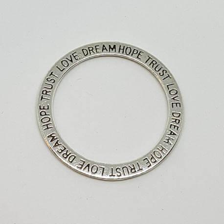 "Zawieszka - krąg ""TRUST, LOVE, HOPE, DREAM"""