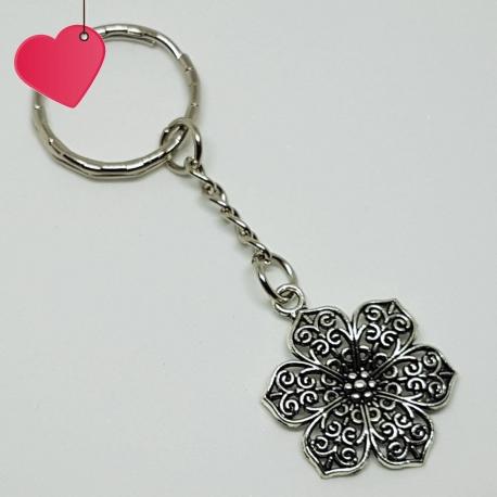 Brelok - kwiatek, kategoria Kwiaty, cena 19,90 zł - BR_00033-brylok.pl