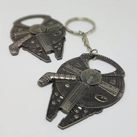 Brelok Deluxe - Star Wars Millennium Falcon Sokół Millenium z otwieraczem, kategoria Star Wars, cena 24,90 zł - BR_00176-bryl...