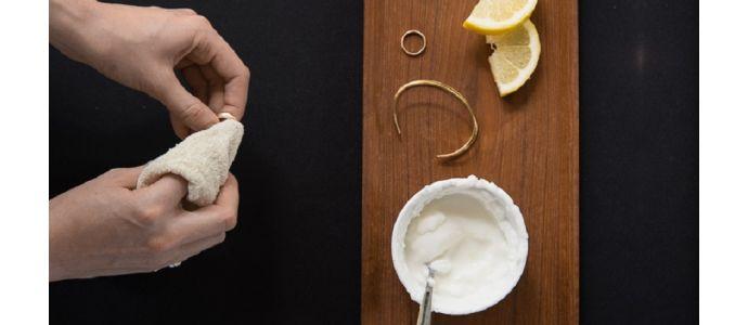 Jak wyczyścić sczerniały breloczek?